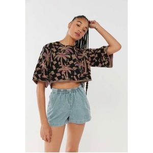 NWT Urban Outfitters Black Retro Crop Short Sleeve